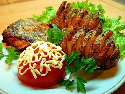 Картофель с беконом.