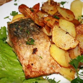 Рыба с картофелем.