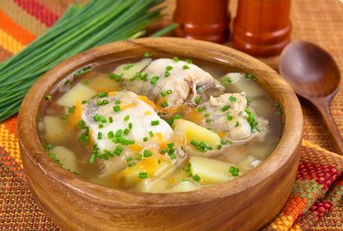 Суп из рыбных голов.
