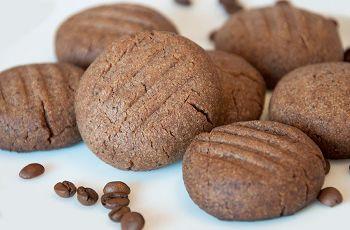 Печенье шоколадно-песочное.