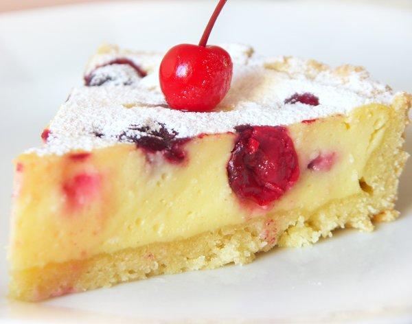 Творожный пирог с вишней и маскарпоне.