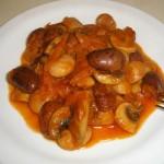 Тушеные бобы с грибами.