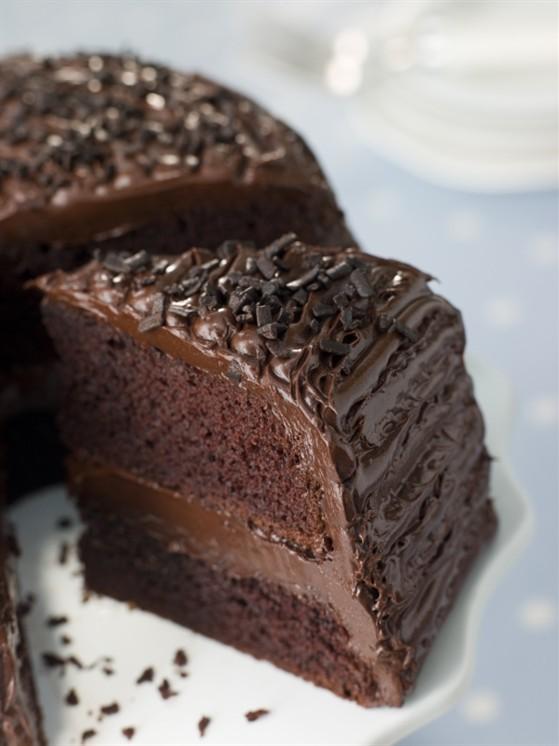 Шоколадный пирог с миндальным грильяжем.