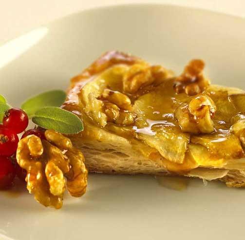 Слоеный ореховый пирог.
