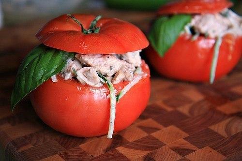Салат в помидорчиках.