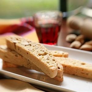 Бискотти из лесных орехов с «Франжелико».