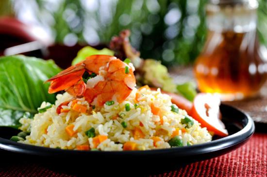 Рис с яйцом по‑китайски.