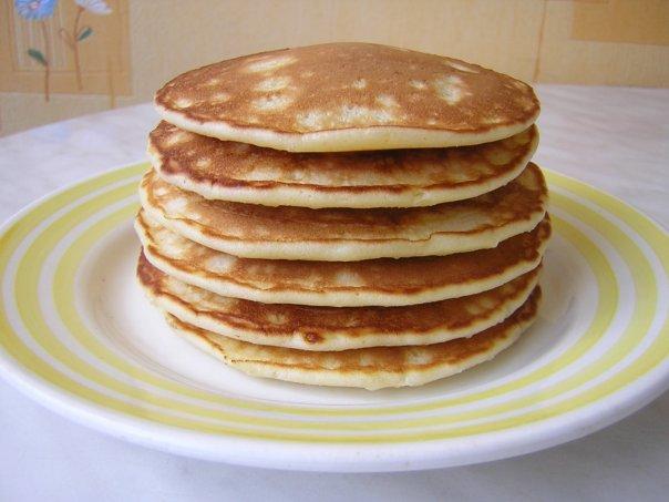 Блинчики на сливках по‑американски (pancakеs).