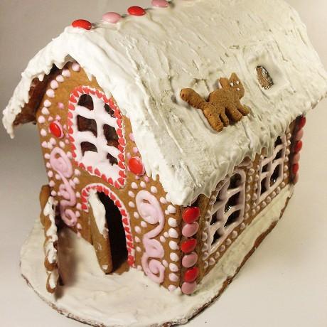 Новогодний пряничный домик-светильник.