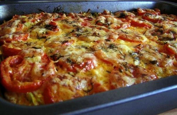 Запеканка из кабачков с фаршем и помидорами.