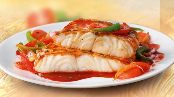 Рыба с овощами по‑провански.