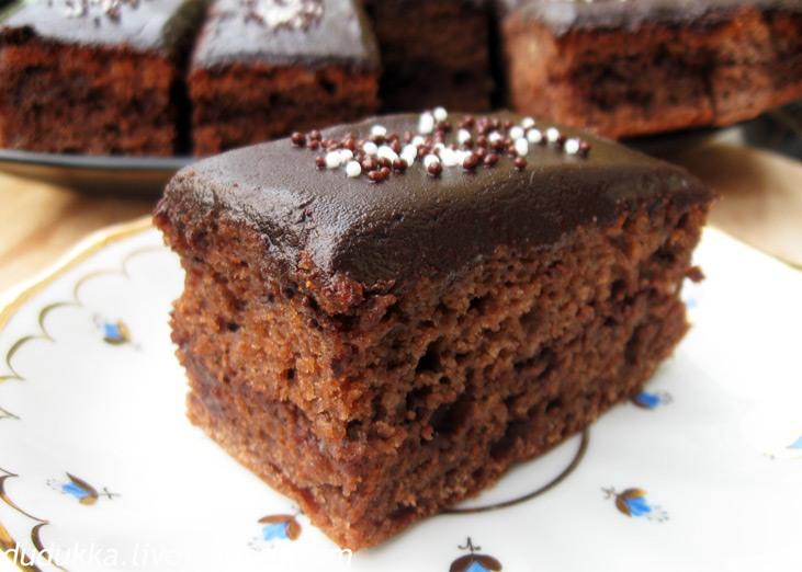 Шоколадные пирожные.