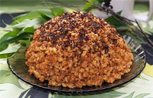 Торт «Муравейник» с грецкими орехами