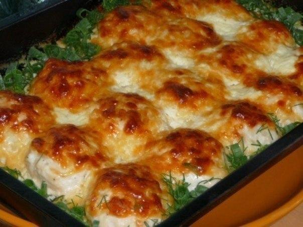 Куриные шарики в сливочном соусе с сыром