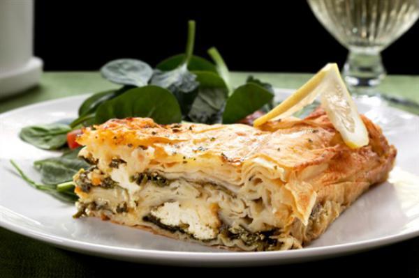 Лазанья из шпината и феты (aka Spanakopita Lasagna)