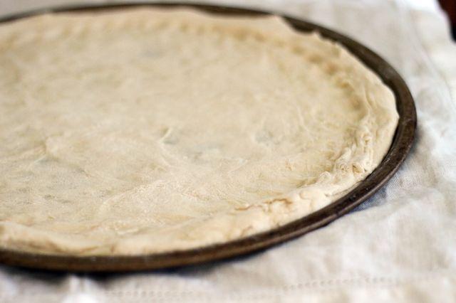 Пресное сметанное тесто для пиццы