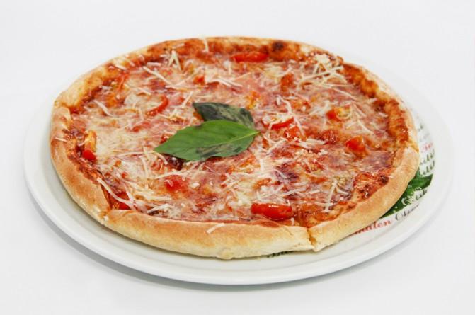 Пицца «Маргарита» с двумя сырами