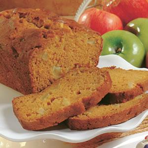Тыквенный хлеб с яблоками