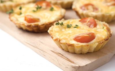 3938 Тарталетки с помидорами и сыром