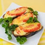4060 Фаршированные баклажаны с сыром и помидорами