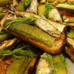 4158 Бутерброды со шпротами, чесноком и солеными огурцами