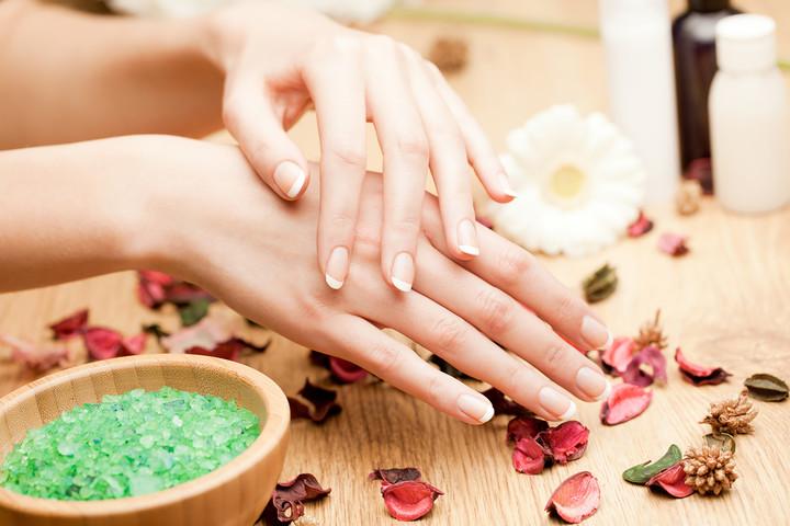 Чем полезна морская соль для ногтей ….