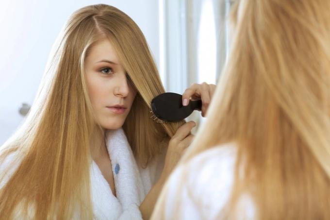 4753 Советы по уходу за сухими, поврежденными волосами