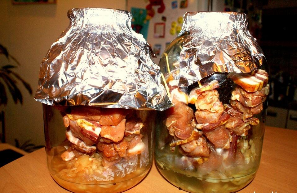 Шашлык из курицы в банке в духовке