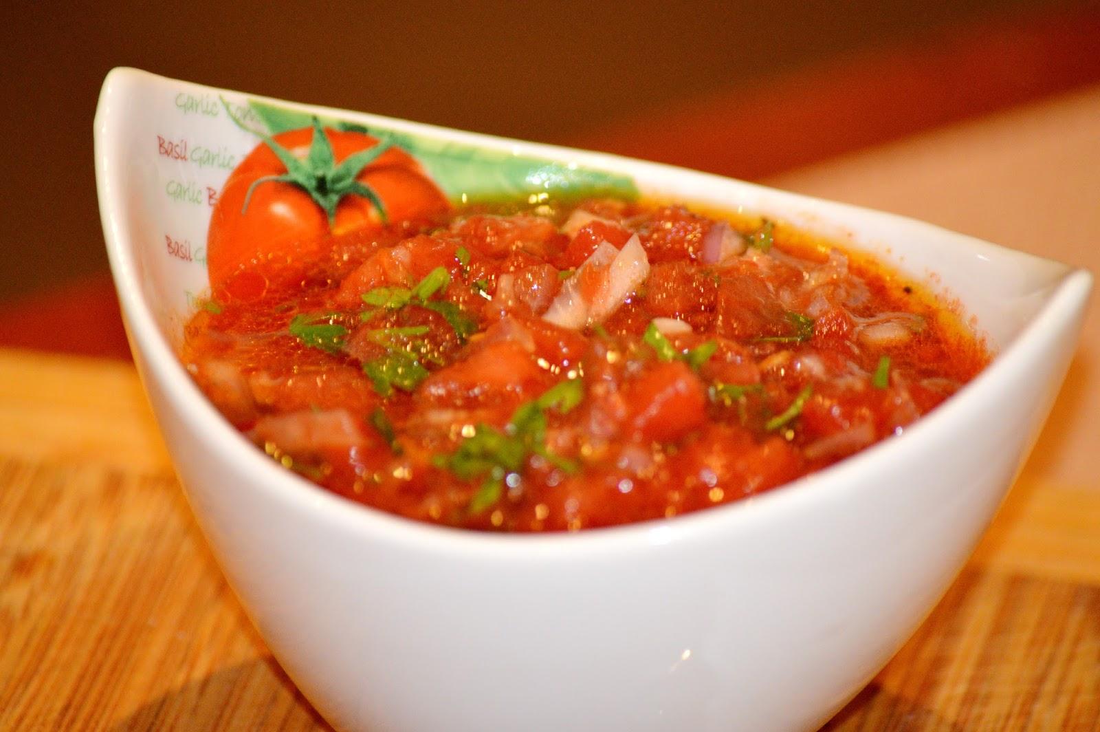 Как сделать соус с томатной пастой и чесноком