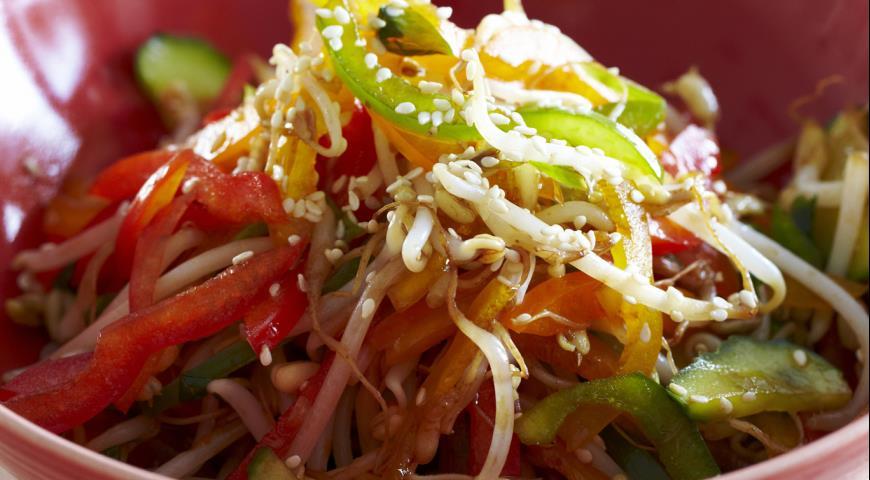 Салат из болгарского перца с «огоньком»
