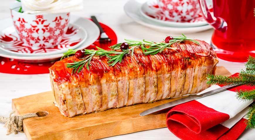 Мясной террин с помидорами и сыром