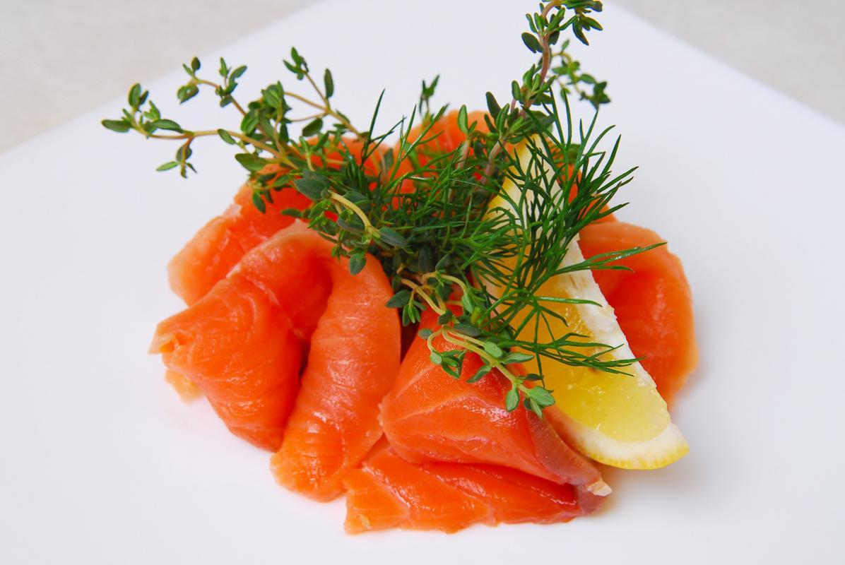 Миньоны из лосося с апельсиновым соусом
