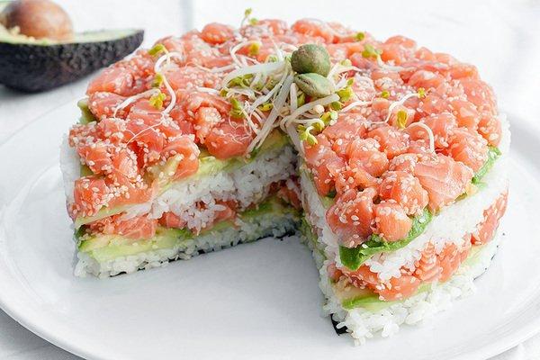 Салат с овощами и тунцом «А-ля суши»