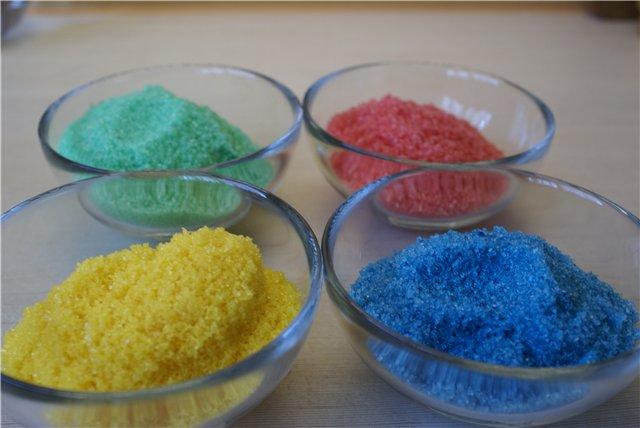 Разноцветный сахар на Пасху