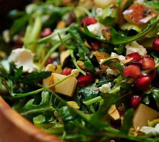 Листья салата жареные в соевом соусе