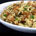 6328 Запеченный рис с грибами и зеленым горошком