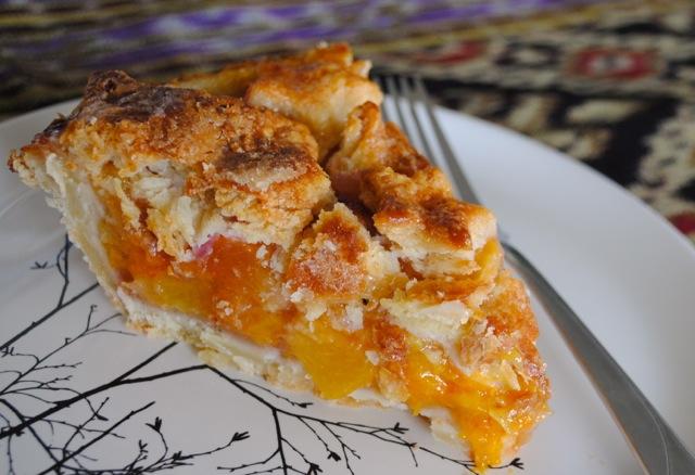 Пирог с персиками, который понравится всем