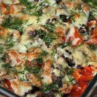 Запеканка слоями, с баклажаном и колбасой, под сыром