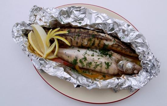 Рыба запечённая над сливками