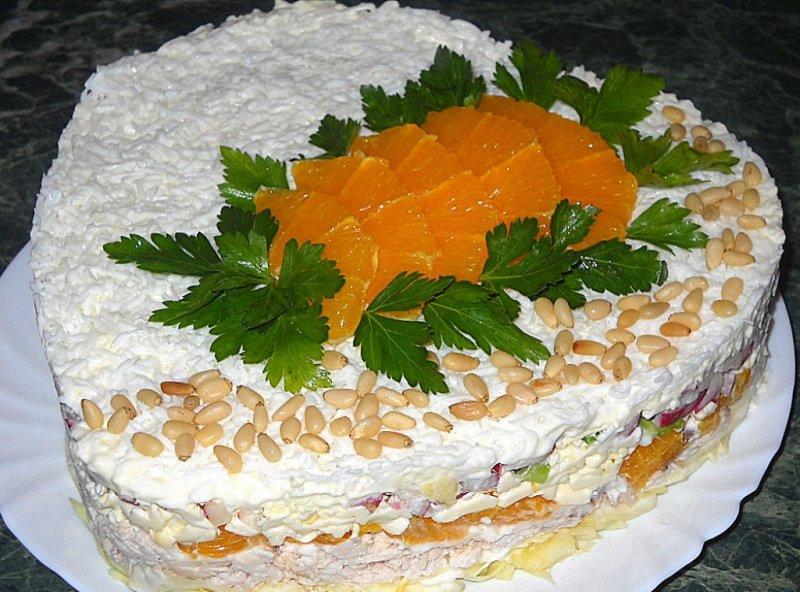 Куриный торт с грибами и глазурью