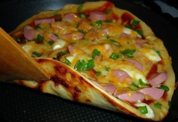 Рецепт Быстрая пицца на сковороде