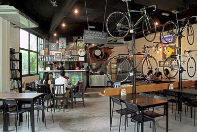В Малайзии открылось велосипедное кафе