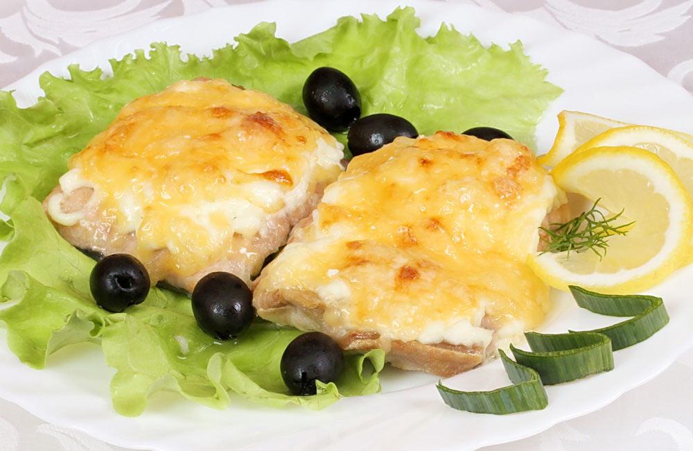 Рецепт Хек, запеченный в сливках с сыром