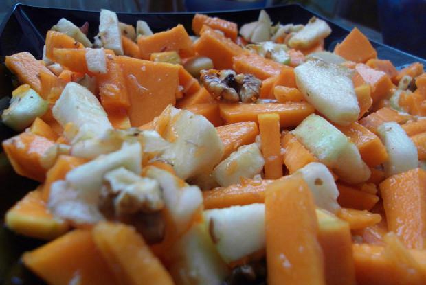 Рецепт Салат из сырой тыквы с яблоком