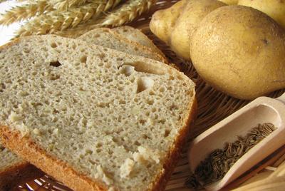 В Курске женщины разных национальностей испекли «Хлеб Мира»