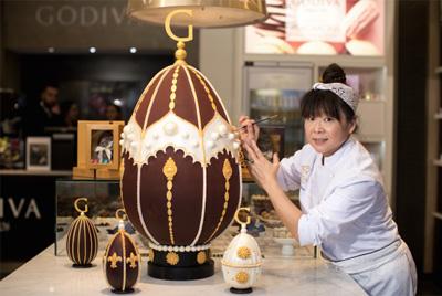 Гигантское шоколадное яйцо весом 25 кг