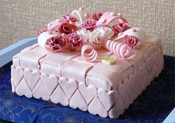 Как красиво оформить праздничный торт