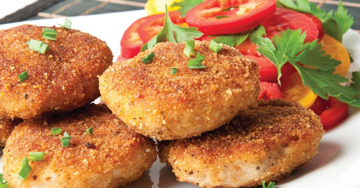 Рецепт Куриные котлеты с грибами под соусом
