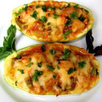 16392 Рецепт Кабачки, фаршированные курицей и овощами