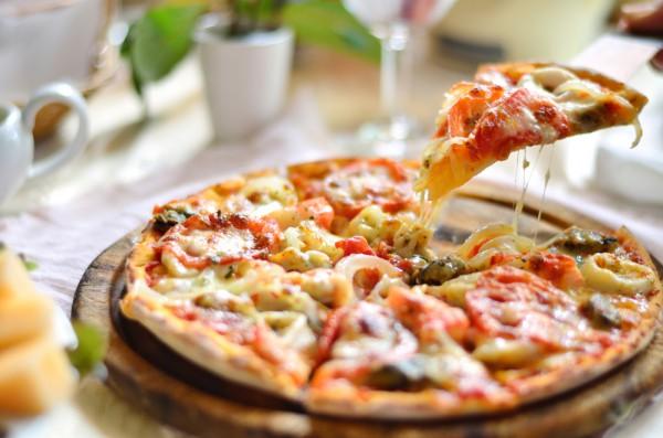 Рецепт Пицца на сковороде «4 сыра»